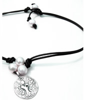 THREE WHITE FRESHWATER PEARLS & LEATHER CHOKER (Add Charm)